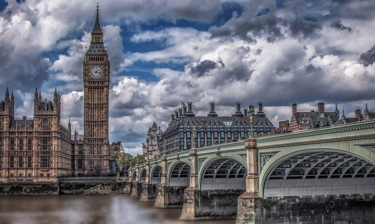 Banca Angliei: Monezile digitale, o problemă pentru băncile comerciale